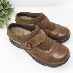 Dansko brown button strap comfort clog 38 8